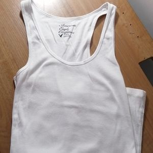 AMERICAN EAGLE OUTFITTERS WHITE CAMISOLE SIZE MEDI